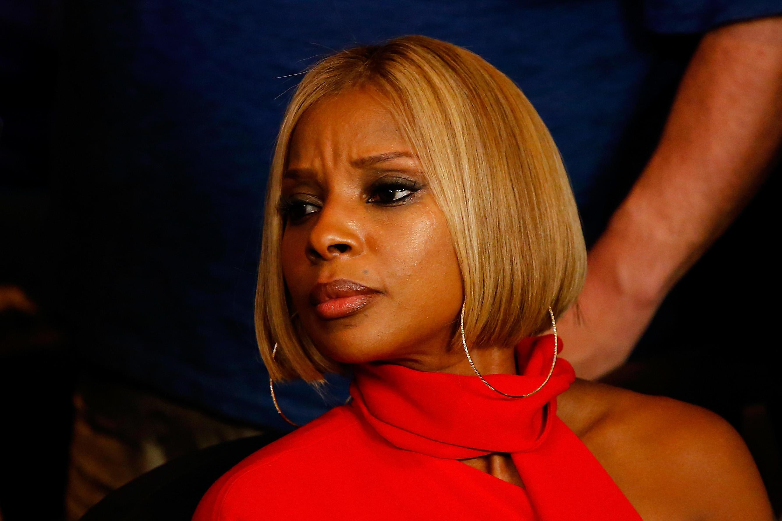 Mary J Blige Publicly Speaks Divorce