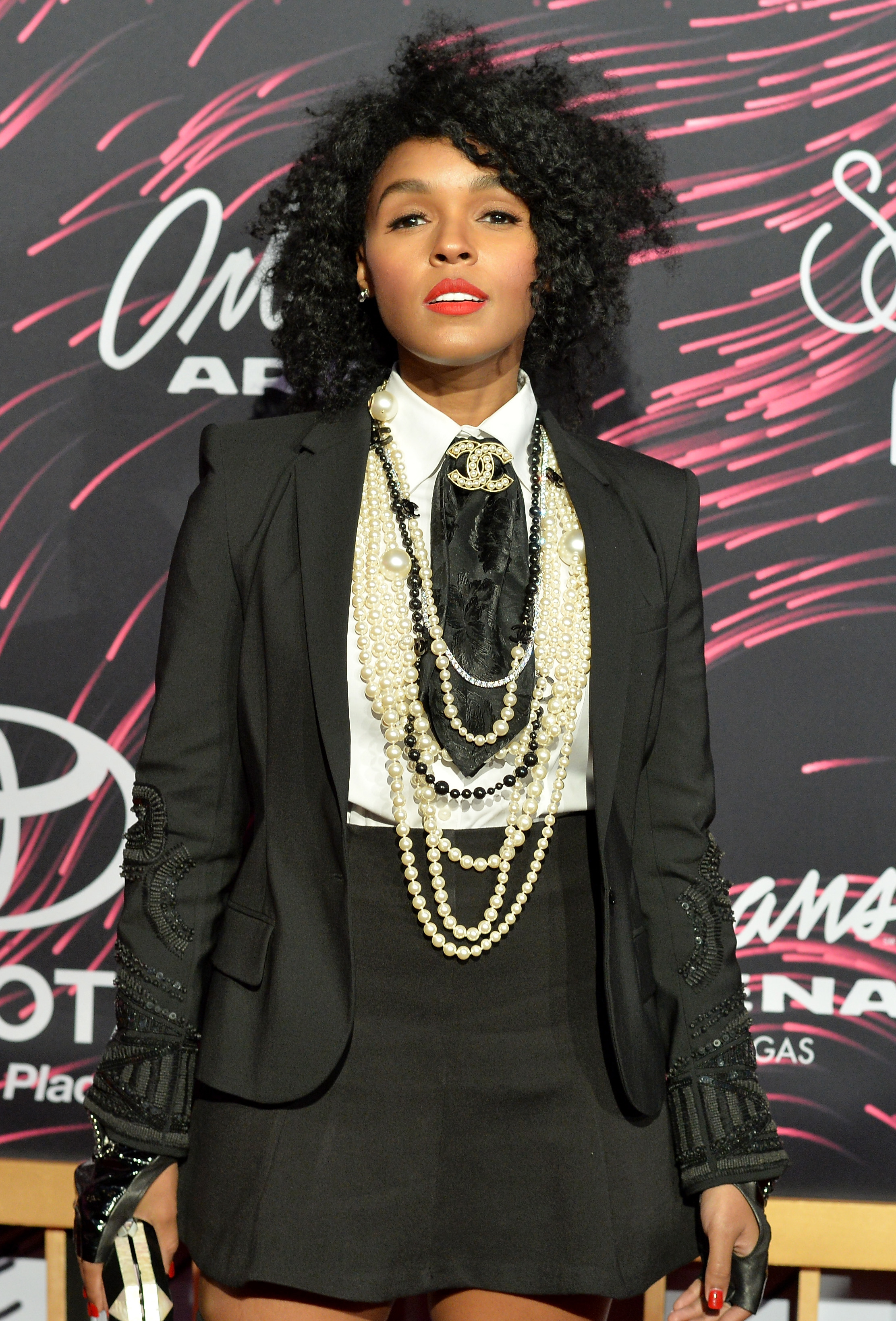 2015 Soul Train Music Awards - All Access