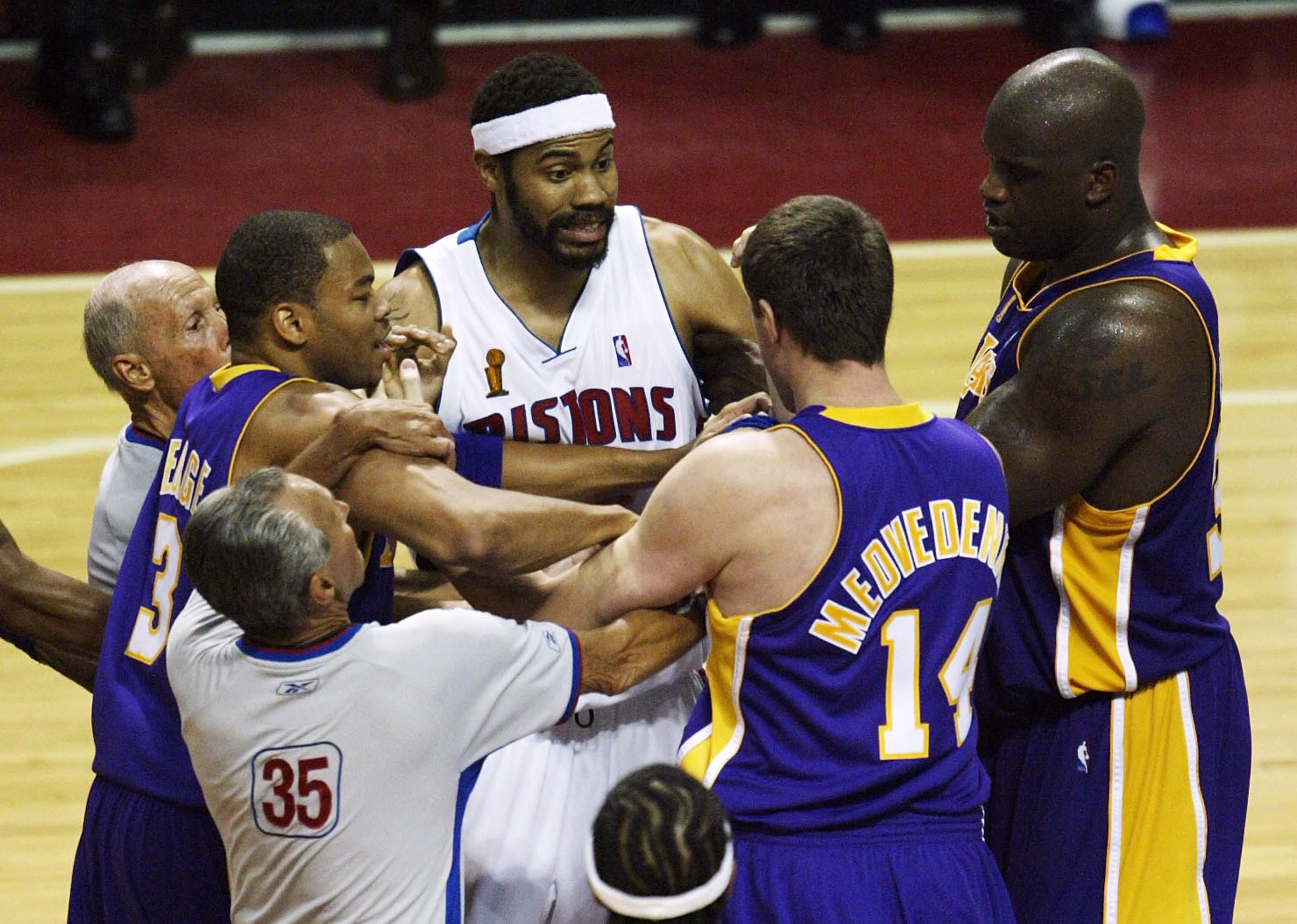 Lakers v Pistons