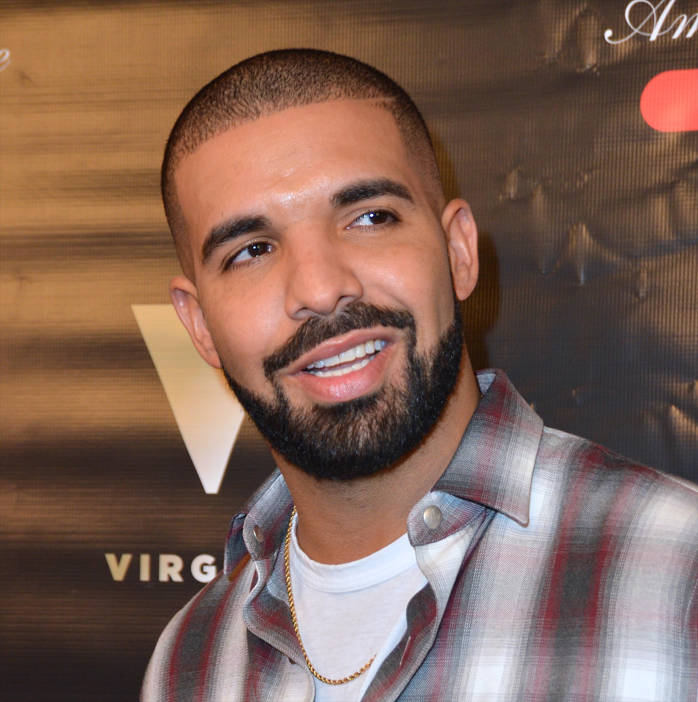 Drake Debuts Signature Night Owl Goblet At Sugar Factory American Brasserie