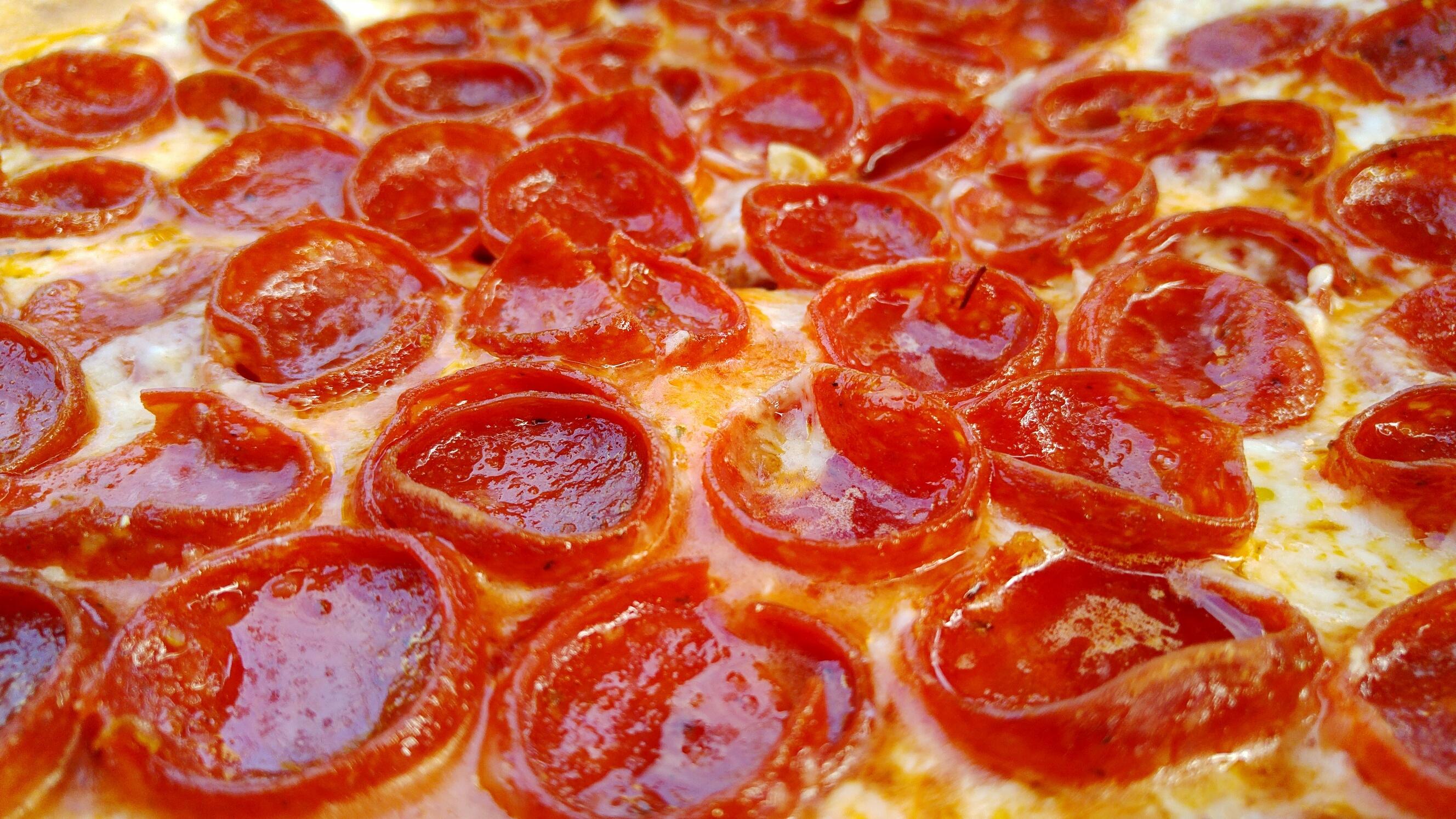 Full Frame Shot Of Pepperoni Pizza