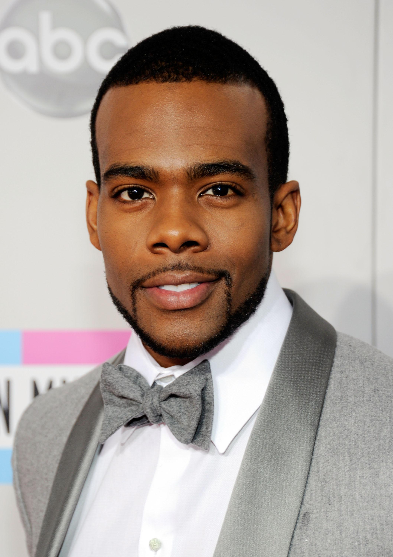 2011 American Music Awards - Red Carpet